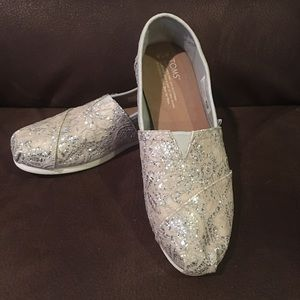 Toms Silver Lace Glitter Flats Slip On Shoes 7.5